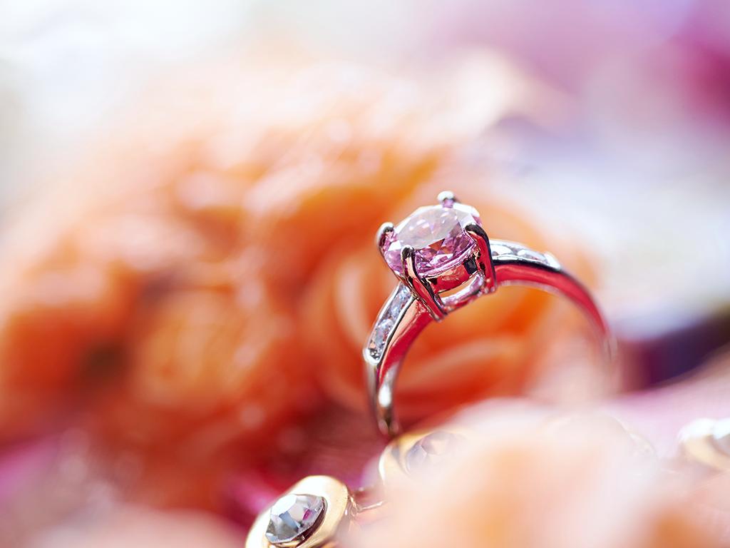 Come calcolare il valore del tuo anello di diamanti?